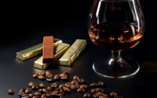 Такой необычный шоколадный коньяк — специфика и 2 рецепта приготовления