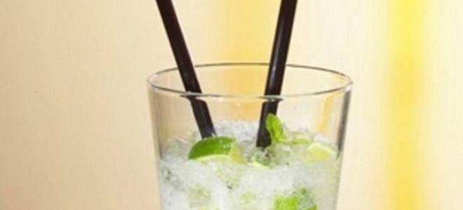 Зачем в коктейле две трубочки — версии появления традиции