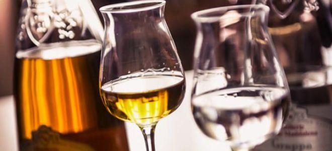Виноградный алкогольный напиток Граппа (Grappa)