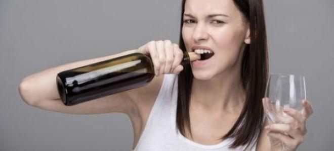 Научим, как открыть бутылку вина без штопора