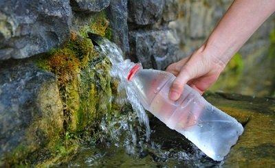 набираем родниковую воду